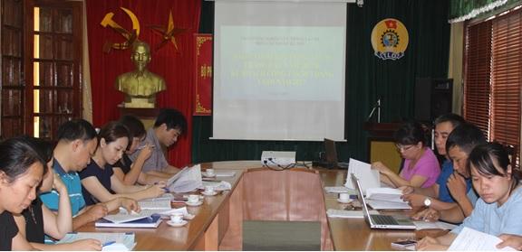 Trung tâm Nghiên cứu trồng và chế biến cây thuốc Hà Nội báo cáo tiến độ công tác NCKH 6 tháng đầu năm 2017